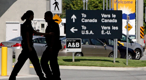 crossing the border with a b visa